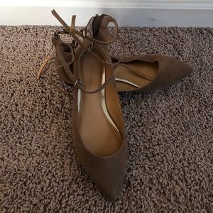NWOT- Banana Republic Tan Strap Flats